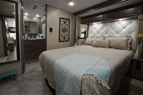 forza interior bedroom  bathroom winnebago rvs