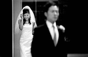 need for the hiring professional wedding photographer With what makes a good wedding photographer
