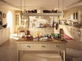kche mit kochinsel landhausstil die wohnung im landhausstil einrichten 30 ideen