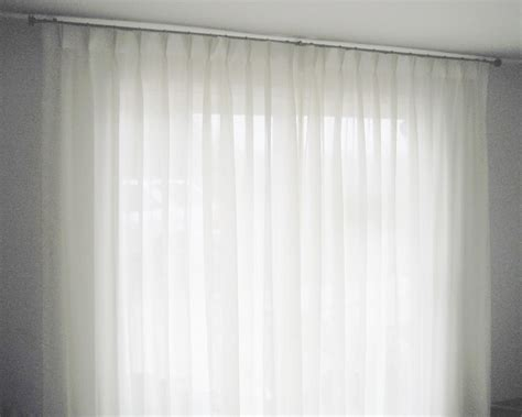 choose the creative curtain designs for your windows