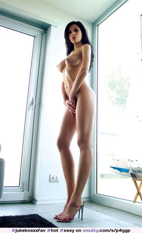 Hot Sexy Beautiful Gorgeous Stunning Perfect Latina Naked Shaved Flatstomach Petite