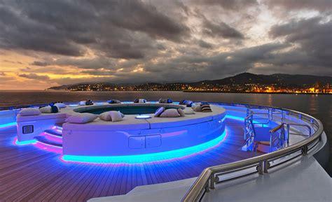 serene  fincantieri   metres motor yacht