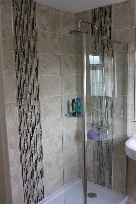 Old salmon en suite to glorious walk in shower room