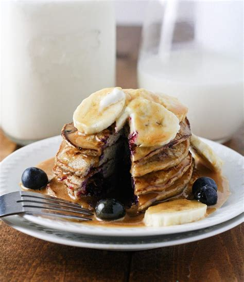 This dessert is best with fresh berries. Skinny Banana Blueberry Pancakes | Recipe | Low calorie pancakes, Recipes, Healthy desserts