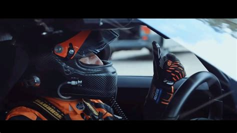 With the electronic limiter turned off, you have to wonder. 490 KM PER HOUR BUGATTI CHIRON SPEED RECORD - TOP ROAD ...