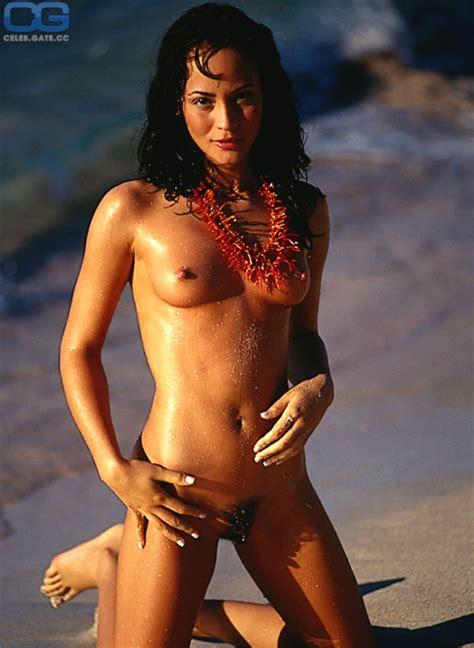 Marie Gomez  nackt