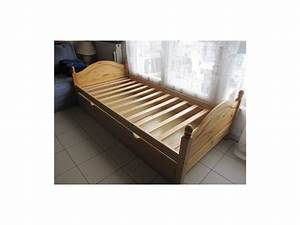 Bon Coin Matelas : bon coin lit une personne table de lit a roulettes ~ Teatrodelosmanantiales.com Idées de Décoration