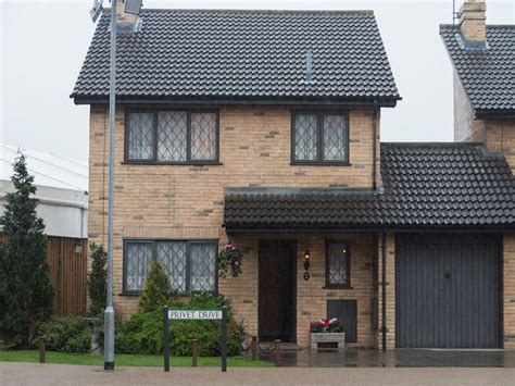 potter s 4 privet drive house is selling to muggle you can now buy harry potter s house as 4 privet drive is Harry