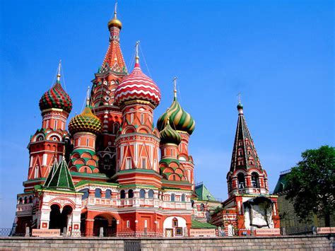 33 Insanely Famous Buildings To See In Your Lifetime