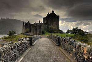 Wallpaper Eilean Donan, castle, clouds, bridge, Loch Duich ...
