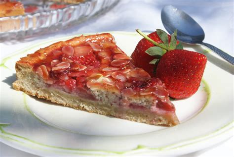 cuisine aux fraises tarte amandine aux fraises pour 8 personnes recettes