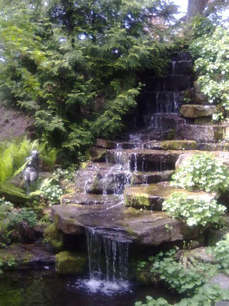Italiener Botanischer Garten Braunschweig by Wasserfall Botanischer Garten Braunschweig Foto Bild