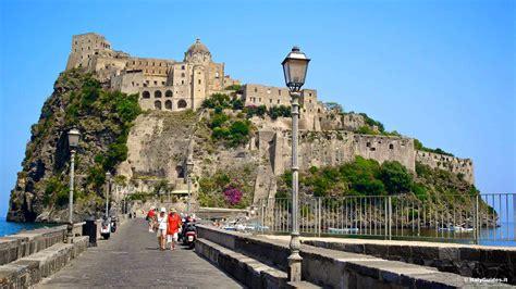 Le foto di Ischia: galleria fotografica, photo gallery e filmati di Ischia Italia - ItalyGuides.it