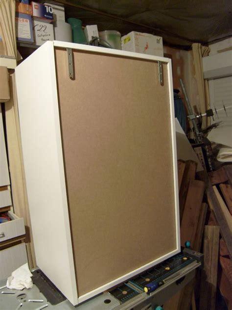 comment accrocher un meuble de cuisine au mur fabrication d un meuble de cuisine