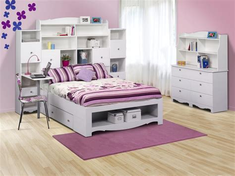 Cheerful Kids Room Decor With White Bedroom Furniture And