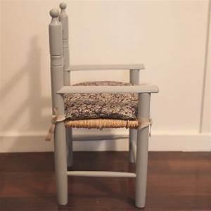 Chaise Bois Enfant : chaise en bois enfant ~ Teatrodelosmanantiales.com Idées de Décoration