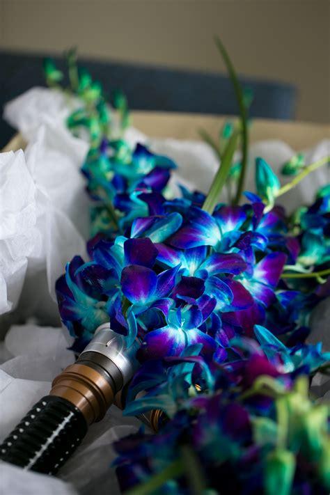 lightsaber bouquet starwarswedding nerdwedding