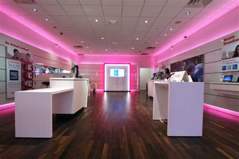 Android Mobile Store by Stop N Rob At A T Mobile Store In Seattle Wa