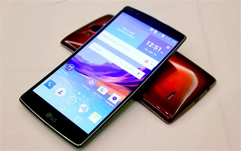 lg curved phone lg revisits the curved phone s premier