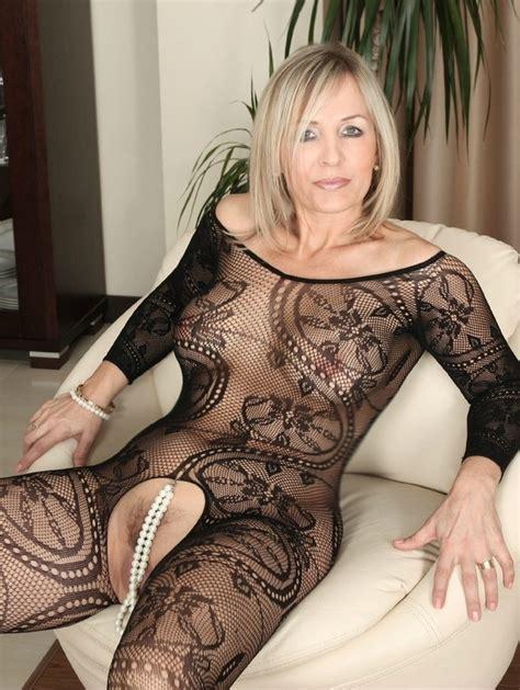 Hottest Milfs Mature Women Page 672