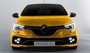 Renault Mégane 4 Rs : des visuels amateurs de la m gane 4 r s pour patienter ~ Medecine-chirurgie-esthetiques.com Avis de Voitures