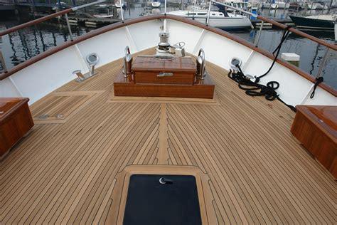 Pontoon Boat Vinyl Wood Flooring by Find Affordable Boat Deck Flooring Material Marine Wood