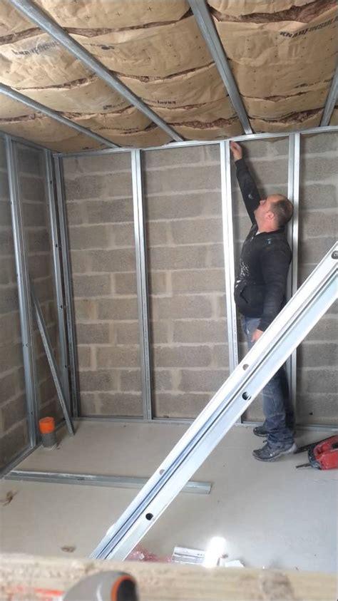 comment installer une le au plafond comment fixer une le au plafond 28 images installer un luminaire au plafond fixation
