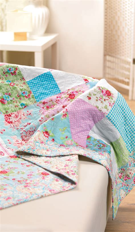 easy patchwork quilt  sewing patterns sew magazine