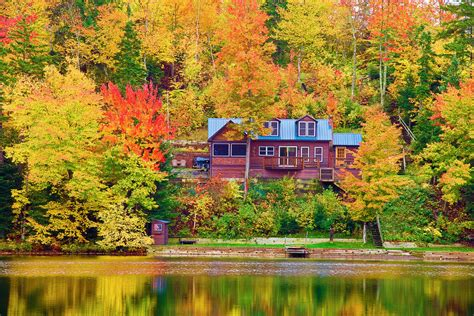 spectacular places  people  love fall colors