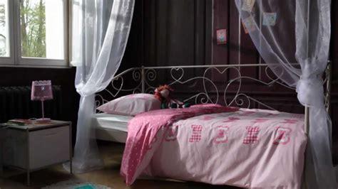 chambre de charme iki chambre enfant style charme banquette lit catalogue