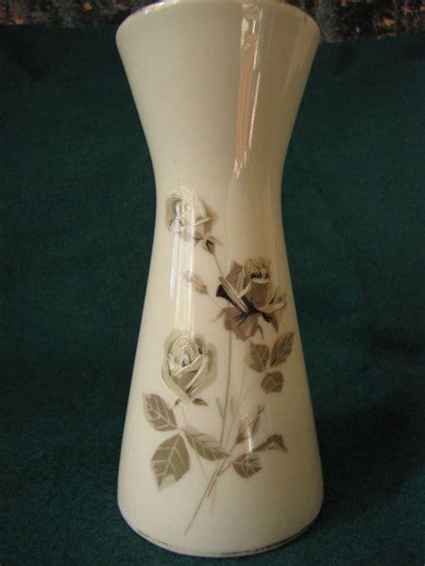vintage royal porzellan km bavaria hand painted bud vase