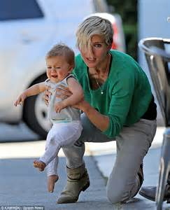 One small step for mom? Chris Hemsworth's wife Elsa Pataky ...