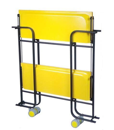 chaise roulante pliante légère table roulante pliante jaune et châssisnoir 3