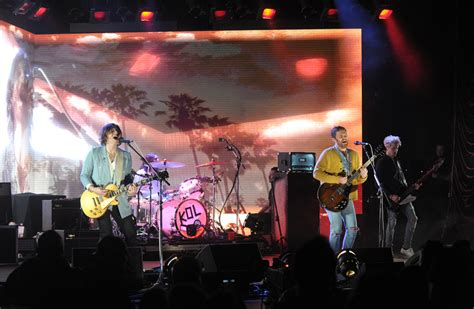 Kings Of Leon Thrills With Huge, Midset Surprise At Nj