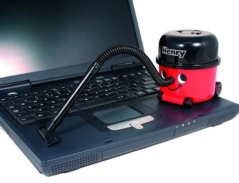Henry Desktop Vacuum Cleaner » Gadget Flow