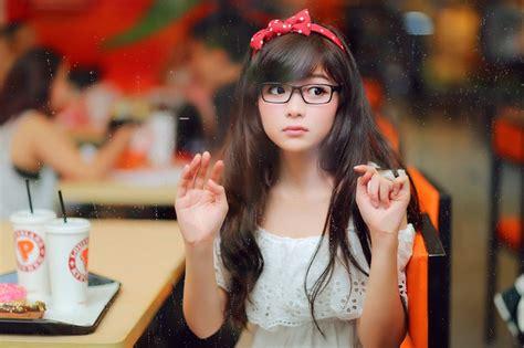asian girl  glasses wallpaper  vdelta revelwallpapersnet