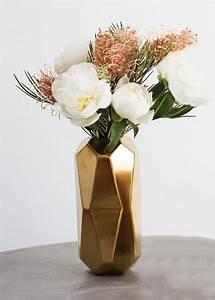 Geometric Vase in Gold DIY Wedding Centerpieces
