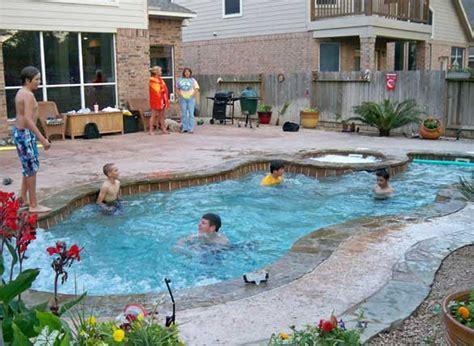 aquamarine pools learn   fiberglass pools