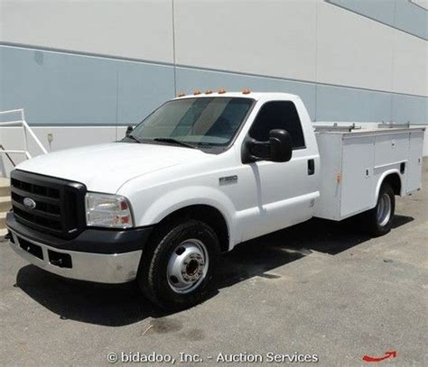 Buy Used 2006 Ford F350 Xl Pickup Truck Utility Box
