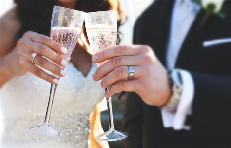 Fun Ways To Mix Up Your Wedding Toast Photos