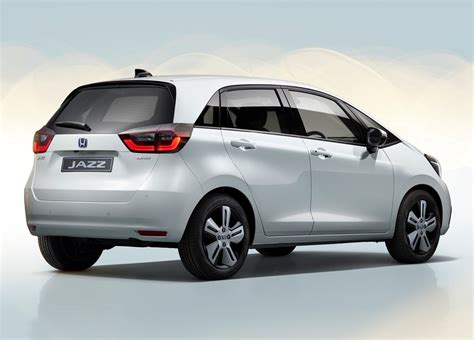 But remember that jazz fits so much more than just belongings. Honda Jazz 1.5 Hybrid CVT afmetingen, gewicht en andere ...