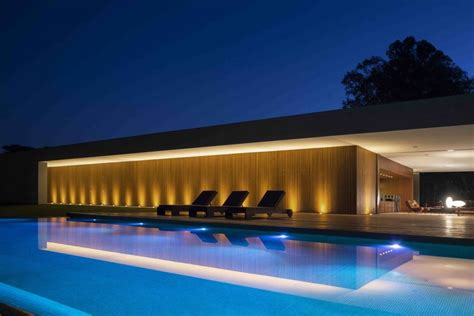 A Fabulous Fortress In Brazil by Marcio Kogan S Casa Concrete House Exterior At