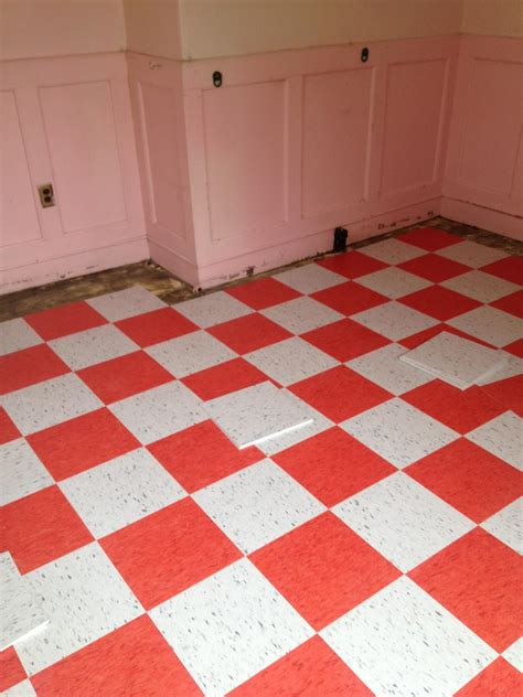 ideas   install  adhesive vinyl floor tiles