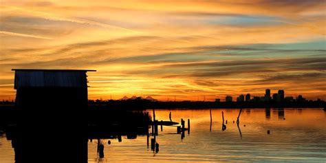 saharan dust  produce spectacular sunrises  sunsets