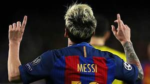 Lionel Messi beat Manchester City all by himself with a ...