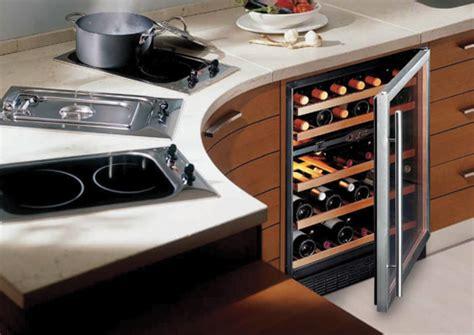 cave a vin encastrable cuisine qu est ce qu une bonne cave 224 vin 233 lectrique what is a quot cellar cabinets quot le des