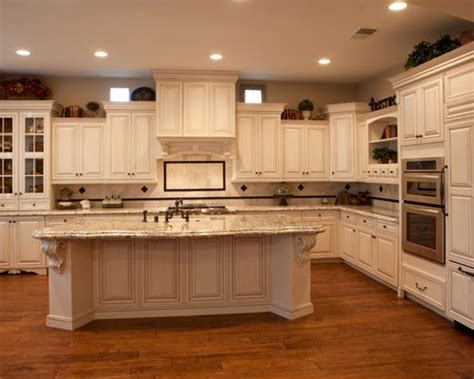 staggered cabinets ideas pictures remodel  decor
