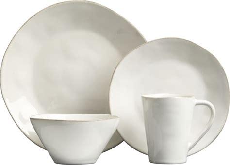 best white dishes best 25 white dinnerware ideas on white 1639