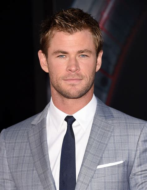 Chris Hemsworth Photos Photos: Premiere Of Marvel's ...