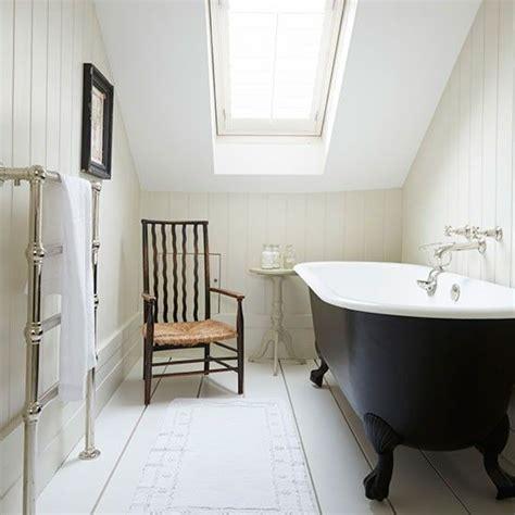 bathroom      white hamptons style
